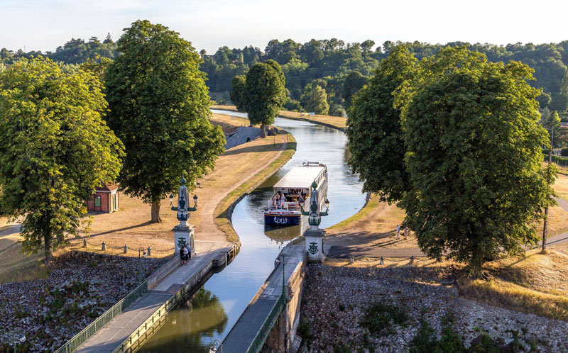 European Waterways is a leader in luxury barge-and-bike trips