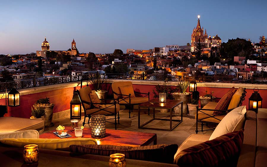 At sunset, there's no better bar in San Miguel de Allende than Luna