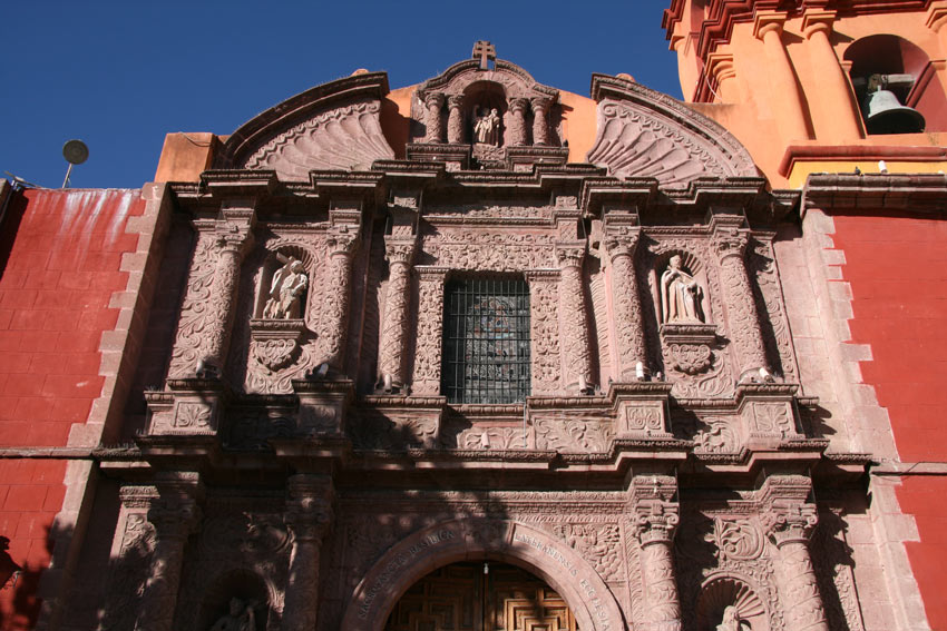 San Miguel de Allende's buildings are a picturesque blend of Baroque and neo-Gothic architectural styles
