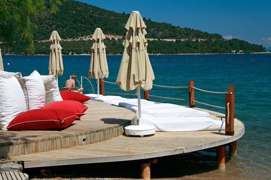 You dive right of the docks from luxury hotels in Bodrum