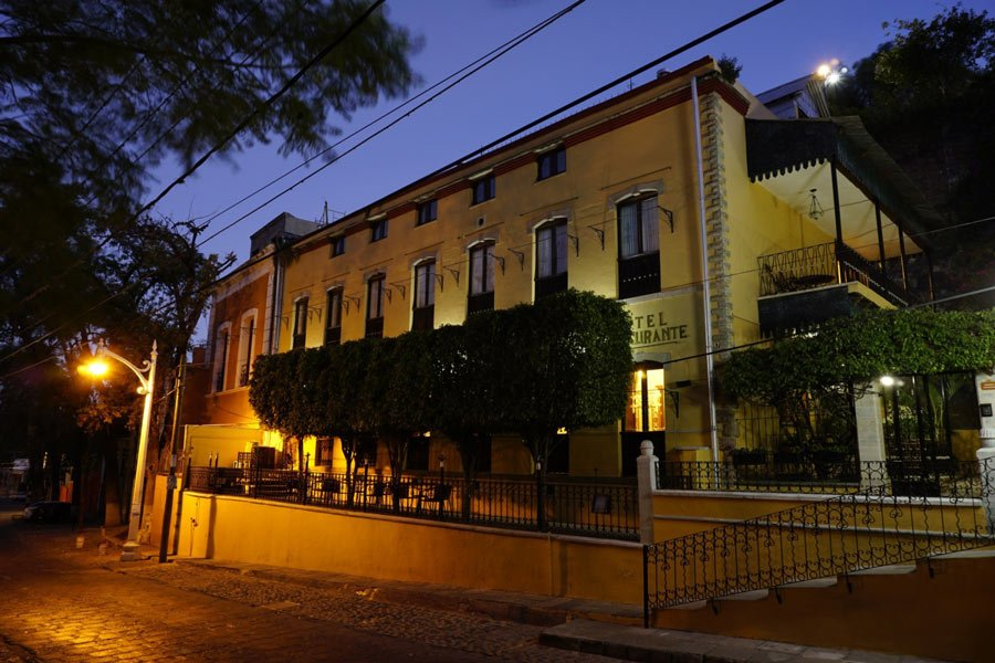 Quinta Las Acacias is in a quiet part of Guanajuato, a 20-minute walk away from the historic center
