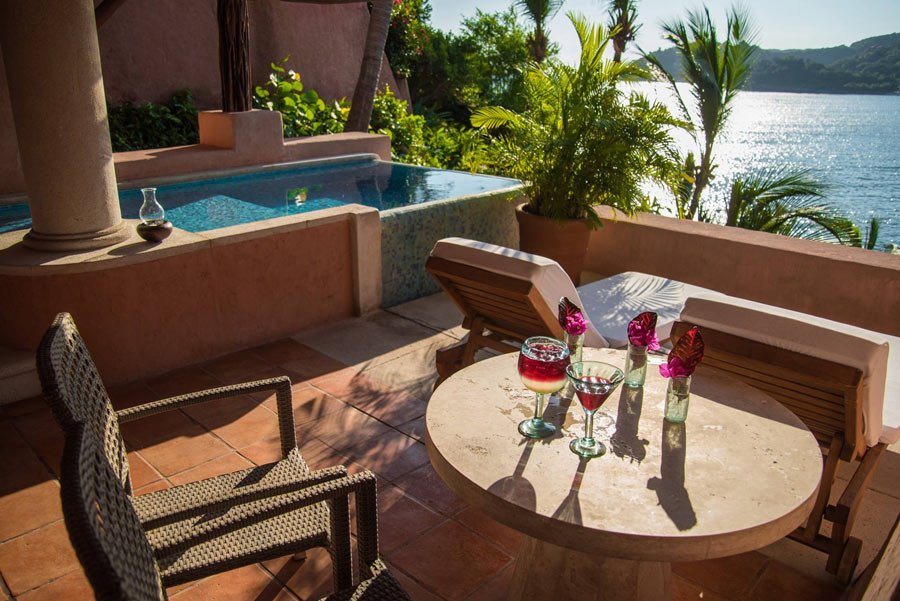 All the suites at La Casa Que Canta have gorgeous sea views