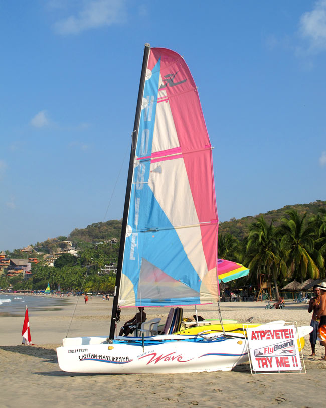 Want to go sailing at Playa La Ropa?