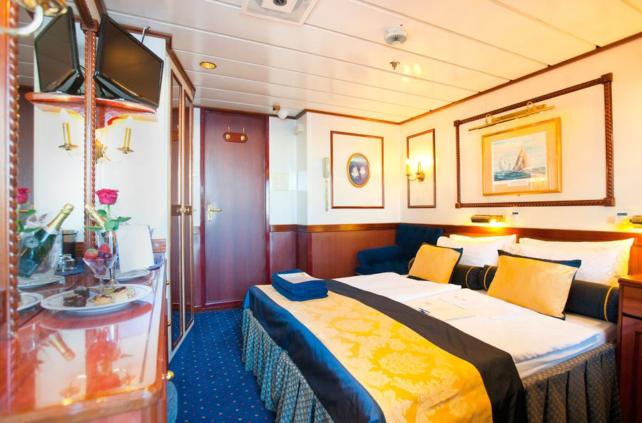 A typical Star Clippers cabin