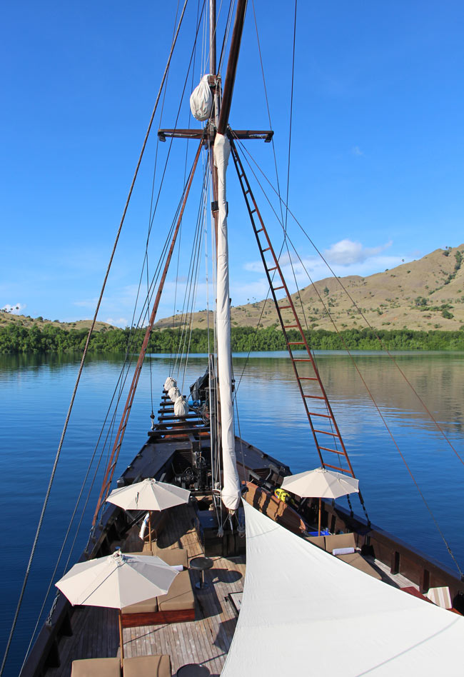 Sailing Indonesia on a deluxe Komodo liveaboard!