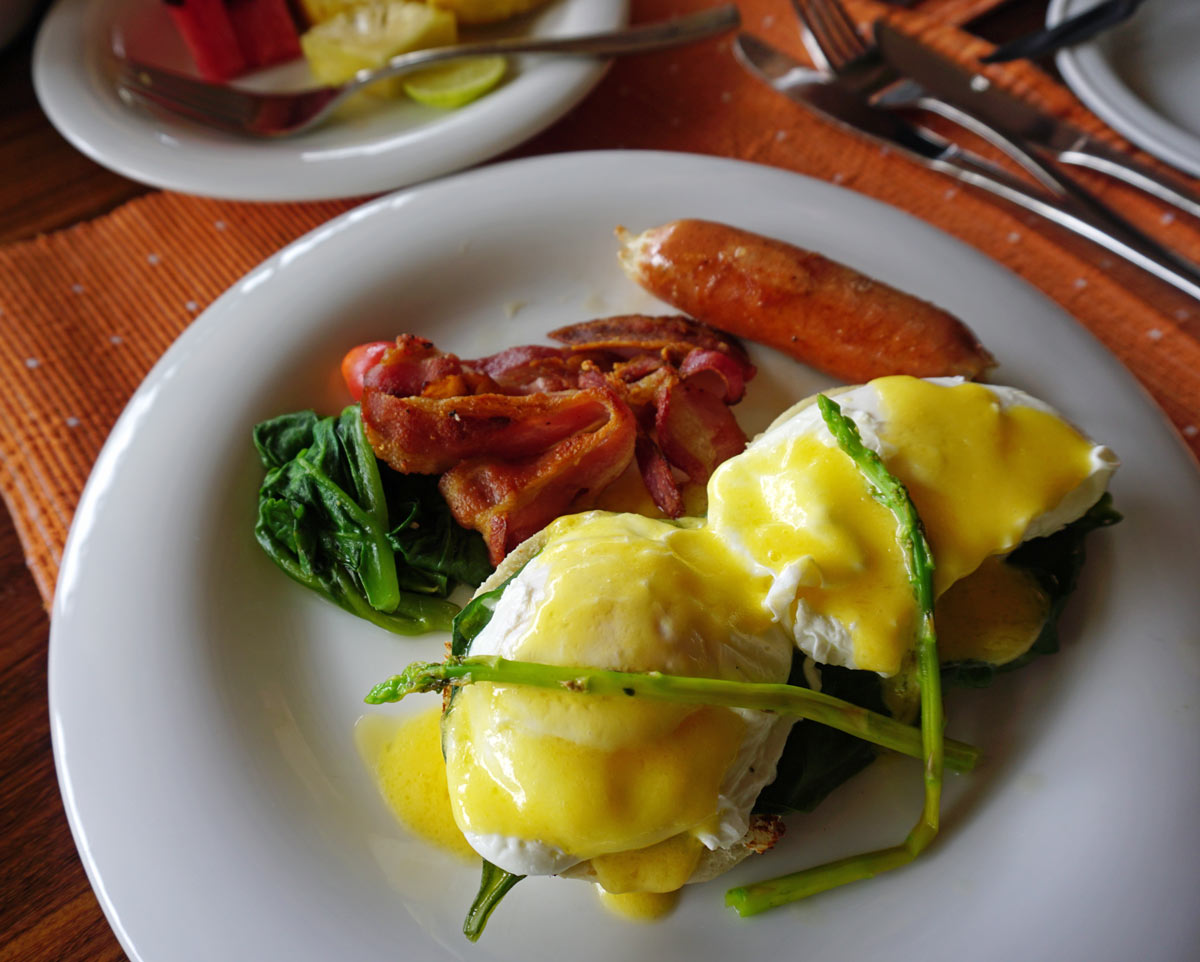 Wake up to a filling breakfast at Ulagalla