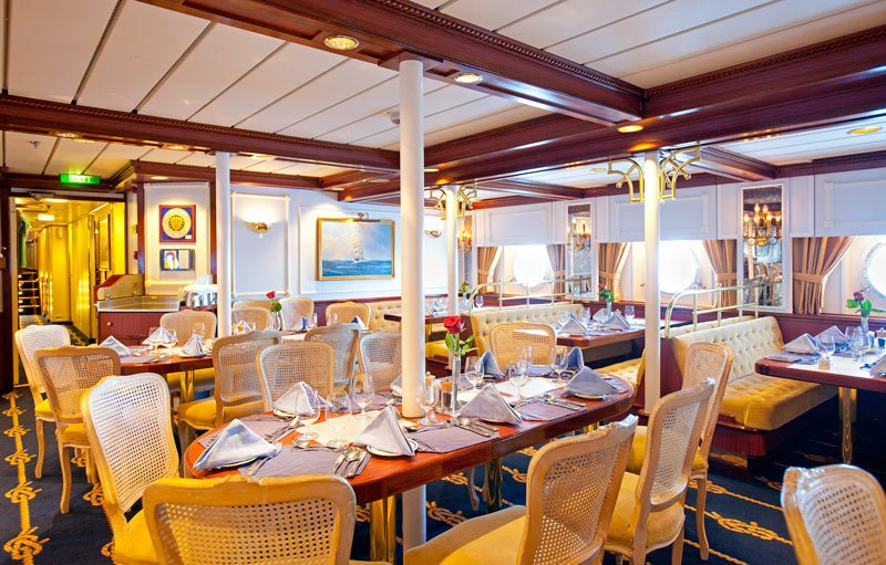 The nautical decor of the Star Flyer ship is carried through in the dining room
