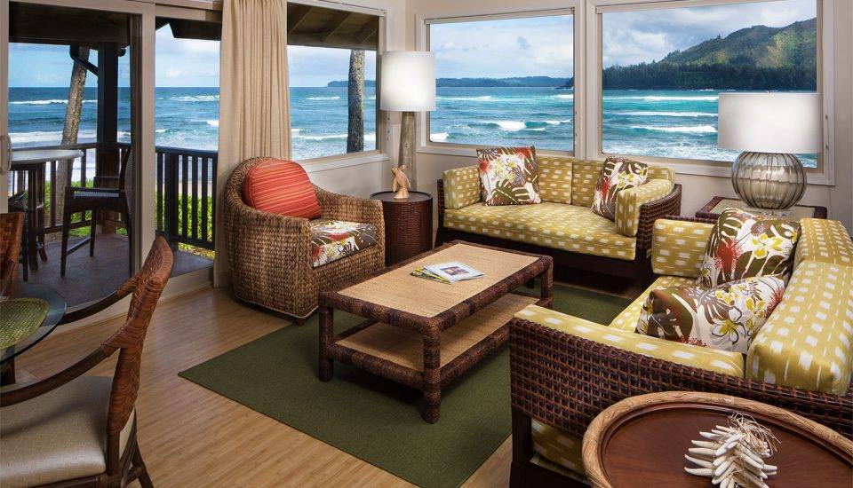 Hanalei Colony Resort Premium Oceanfront suite