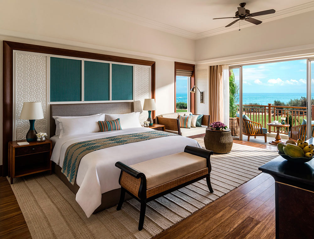 Guest rooms at Shangri-La Hambantota are soothing and comfortable.