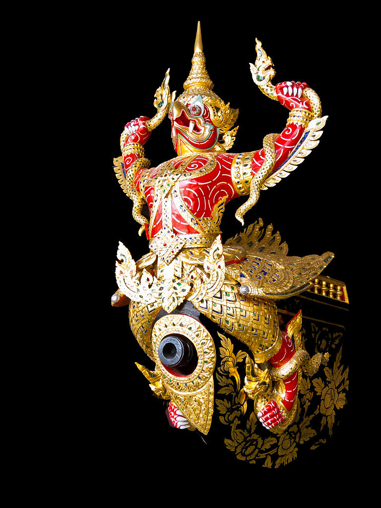 Figurehead on the Garuda Hern Het Barge at the National Museum of Royal Barges (Credit: Mark Fischer, Wikimedia)