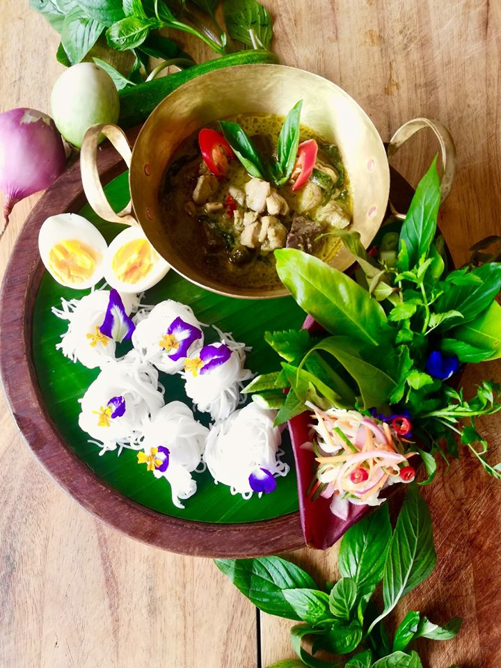 Green chicken curry, rice noodles and Tongsai salad at Chef Chom's Thai restaurant at Tongsai Bay
