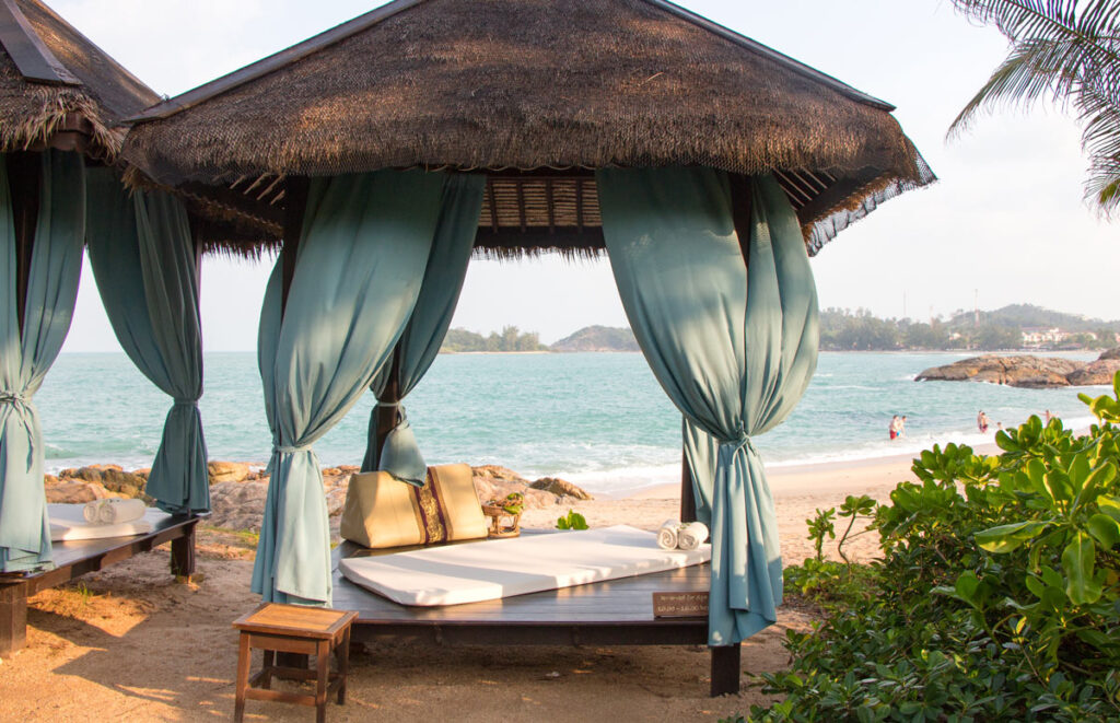 If you prefer a massage by the beach at Tongsai Bay Resort, this spa tent is a pretty nice spot!
