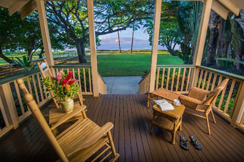 Settle back in a rocking chair and enjoy the lazy quiet life (Credit: Waimea Plantation Cottages)