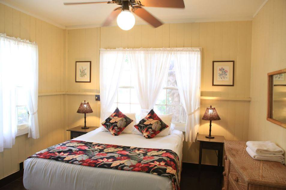 Waimea cottage bedroom
