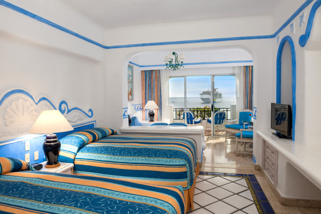 A Junior suite at Pueblo Bonito Los Cabos