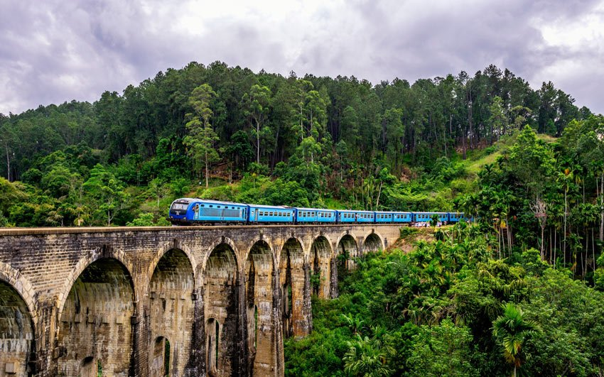 Sri Lanka's train from Kandy to Ella is one of the most beautiful train journeys!