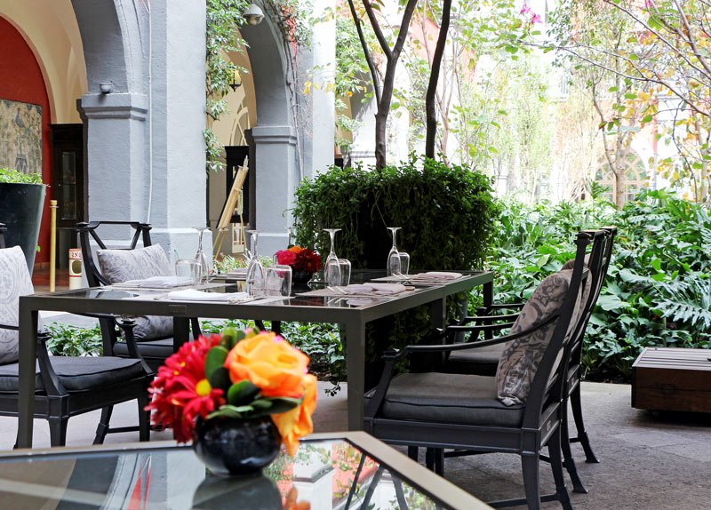 Four Seasons Hotel Mexico City courtyard