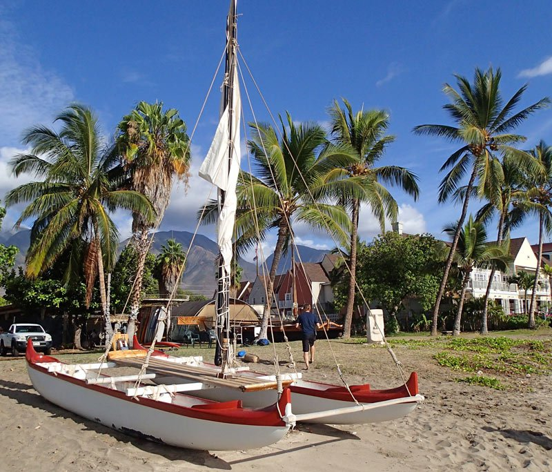 Sailing in a Hawaii outrigger canoe!