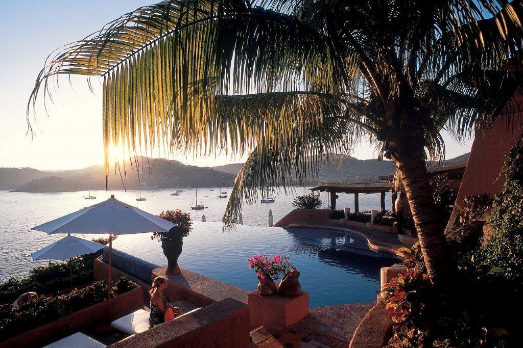 Think La Casa Que Canta for a romantic Mexican getaway