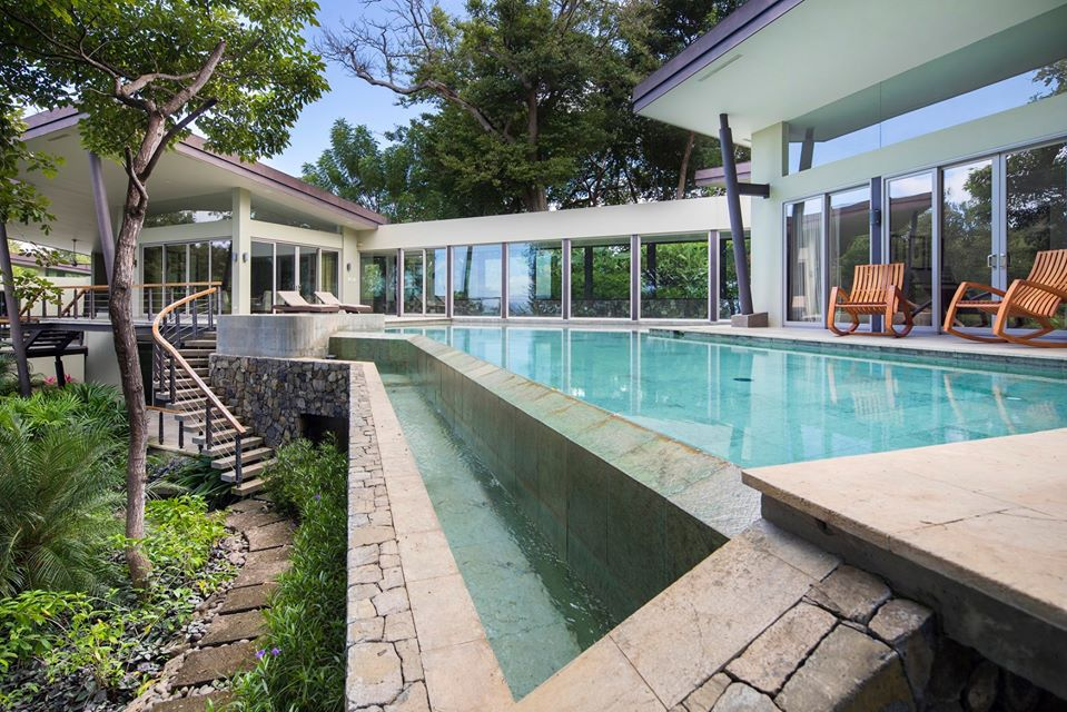 How about a vacay in a gorgeous Costa Rica villa with private pool?