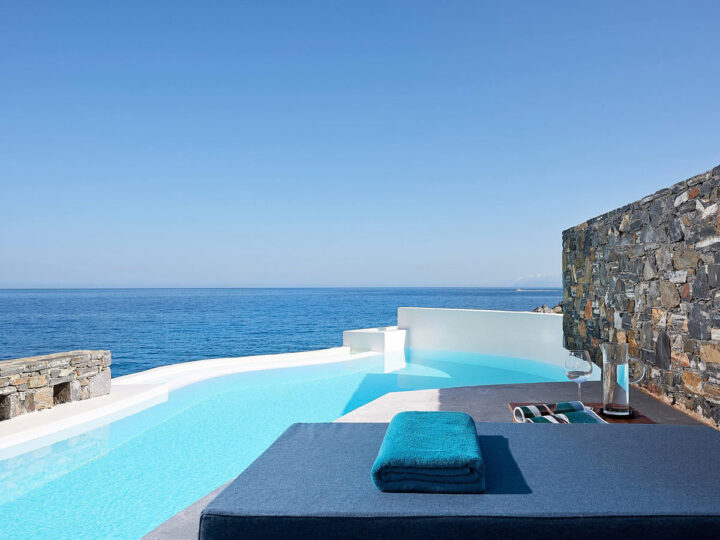 You want swank? These 27+ private pool suites are epic!