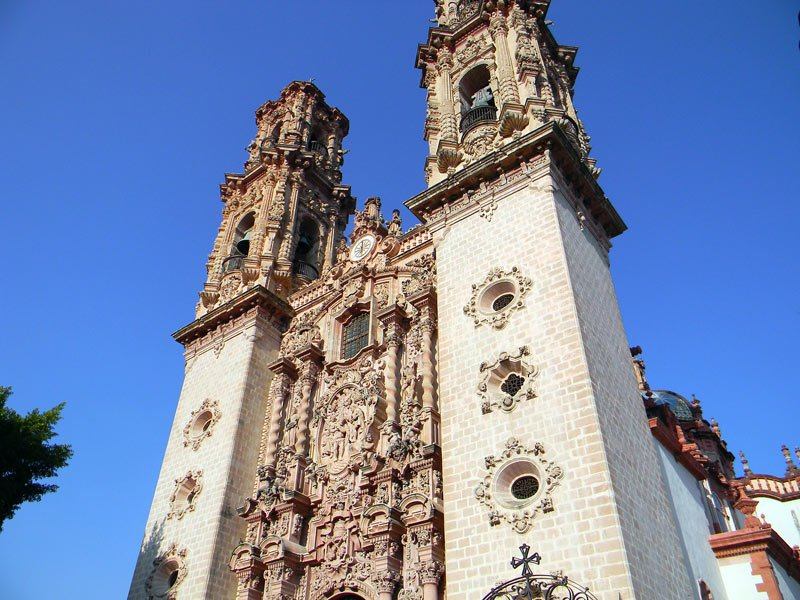 With its pretty white-washed houses and churches, Taxco is one of the most beautiful cities in Mexico