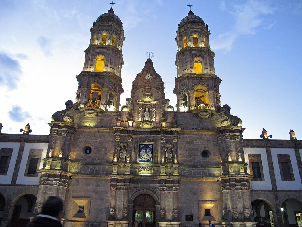 The Basilica of Our Lady of Zapopan illuminated at night
