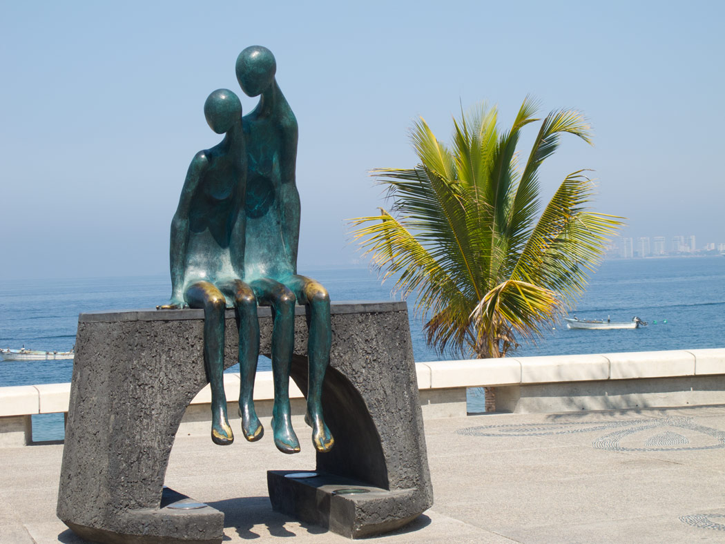 One of the most beautiful Puerto Vallarta Malecon sculptures: La Nostalgia by Barquet