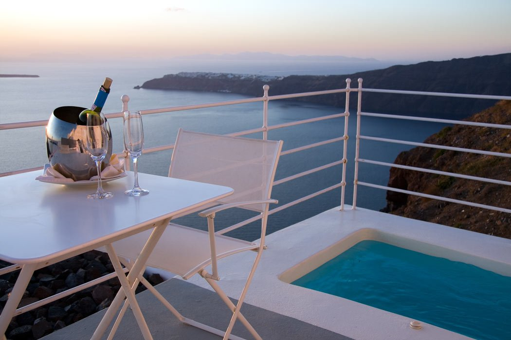 Our Santorini Grace room came with a nice little outdoor hot tub