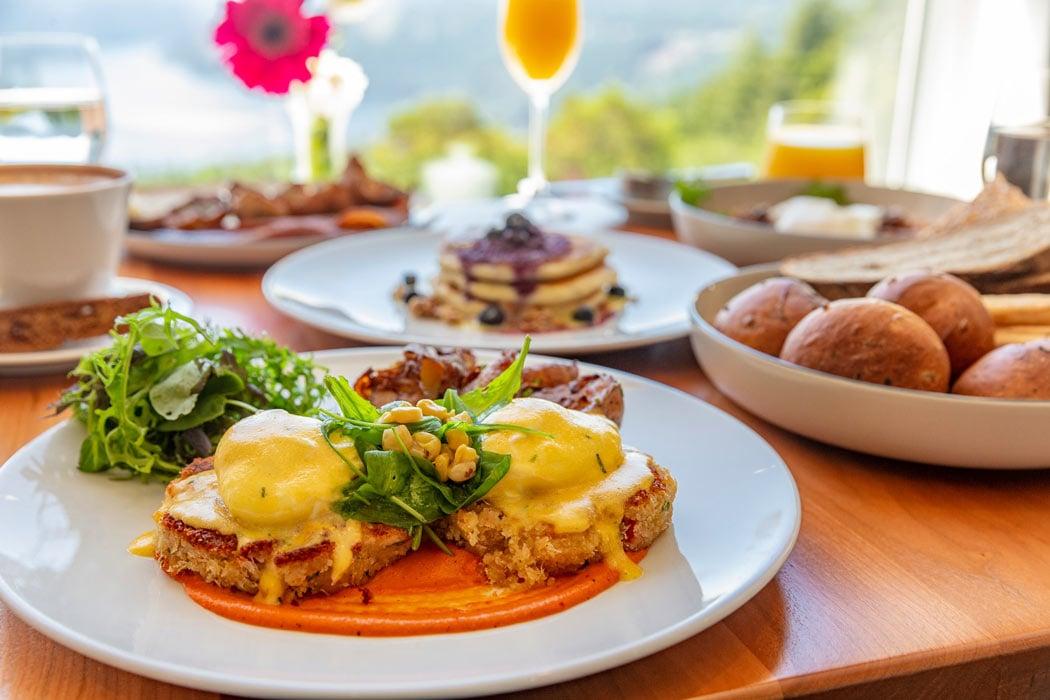 Breakfast at Alpina Restaurant, Villa Eyrie