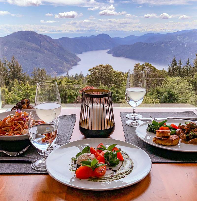 Dinner at Alpina Restaurant, Villa Eyrie Resort