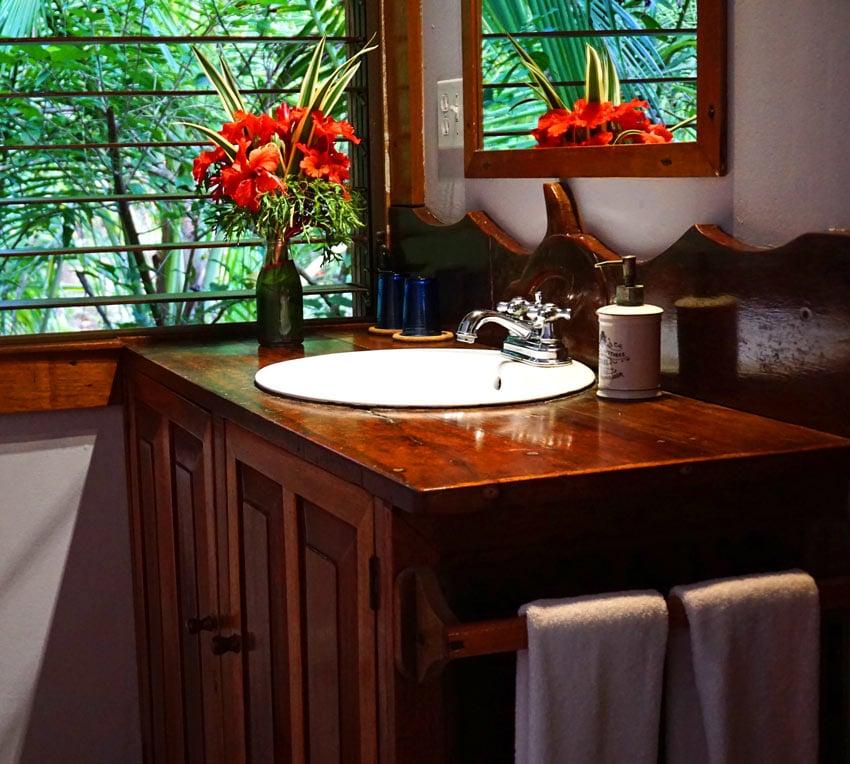 Bathroom at Casa Cayuco cabin
