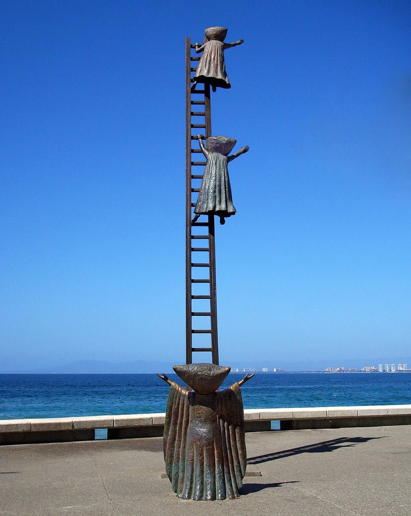 Puerto Vallarta Malecon sculpture