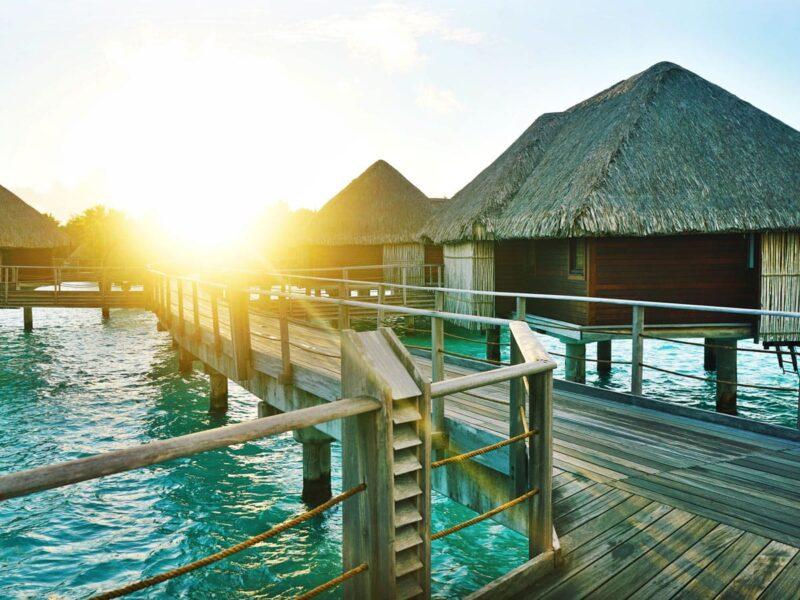 Beautiful overwater bungalows in Bora Bora: How to choose?