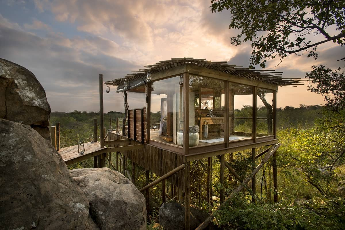 Kingston Treehouse boasts one of the top hotel bathrooms in the world