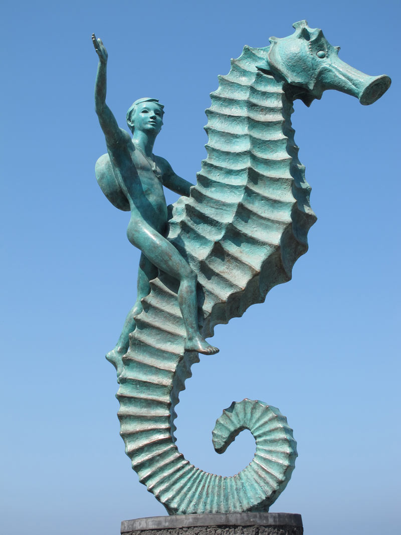 Seahorse statue in Puerto Vallarta, by  Rafael Zamarripa