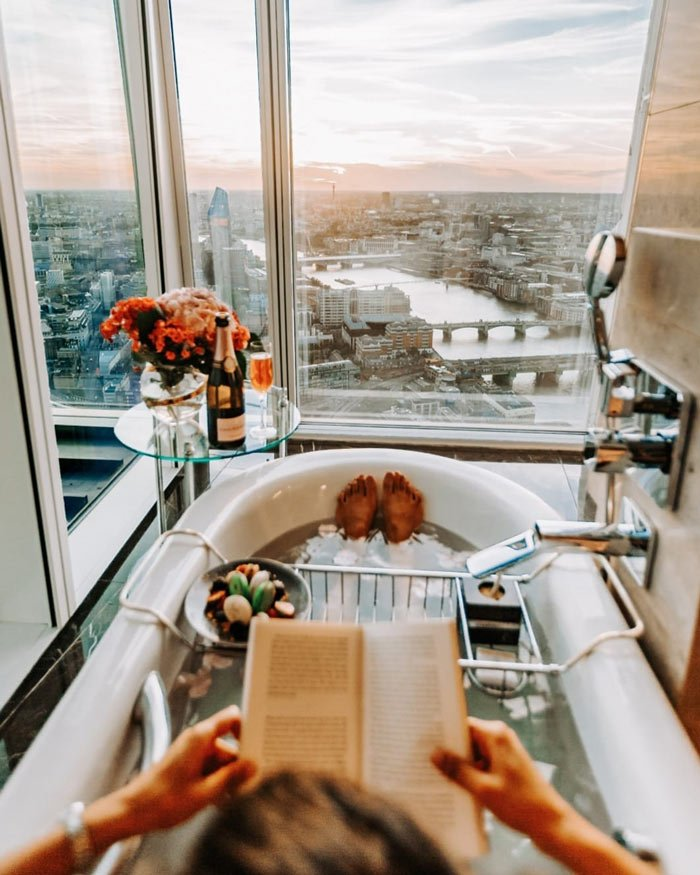 The Shangri-La Shard bathrooms are some of the coolest hotel bathrooms in the world