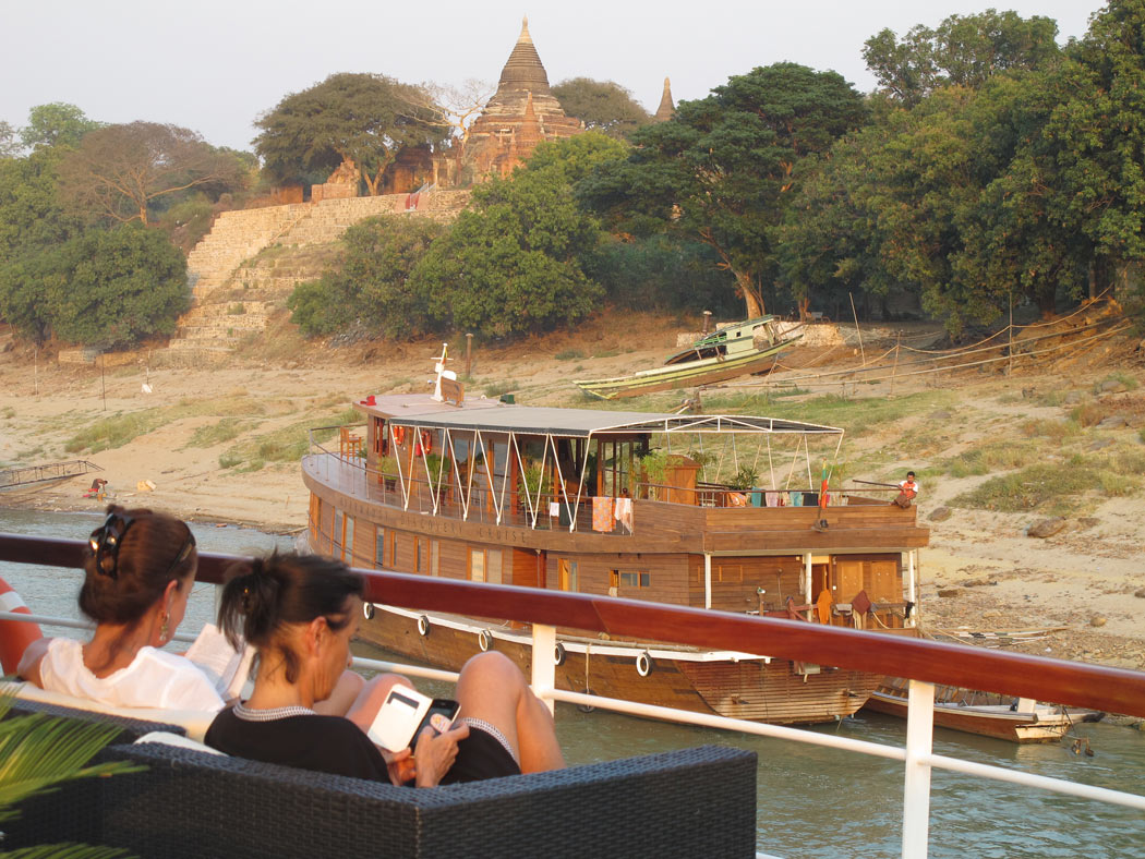Cruising into Bagan