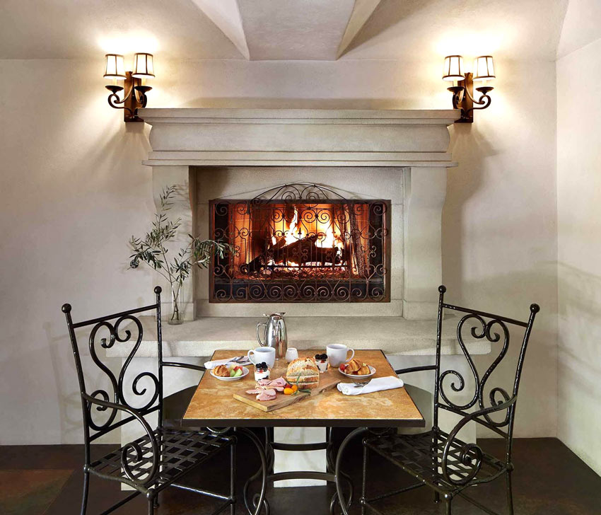 Breakfast by the fire at Kenwood Inn, Sonoma