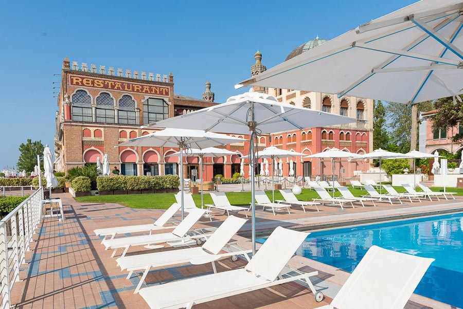Hotel Excelsior Venice Lido pool