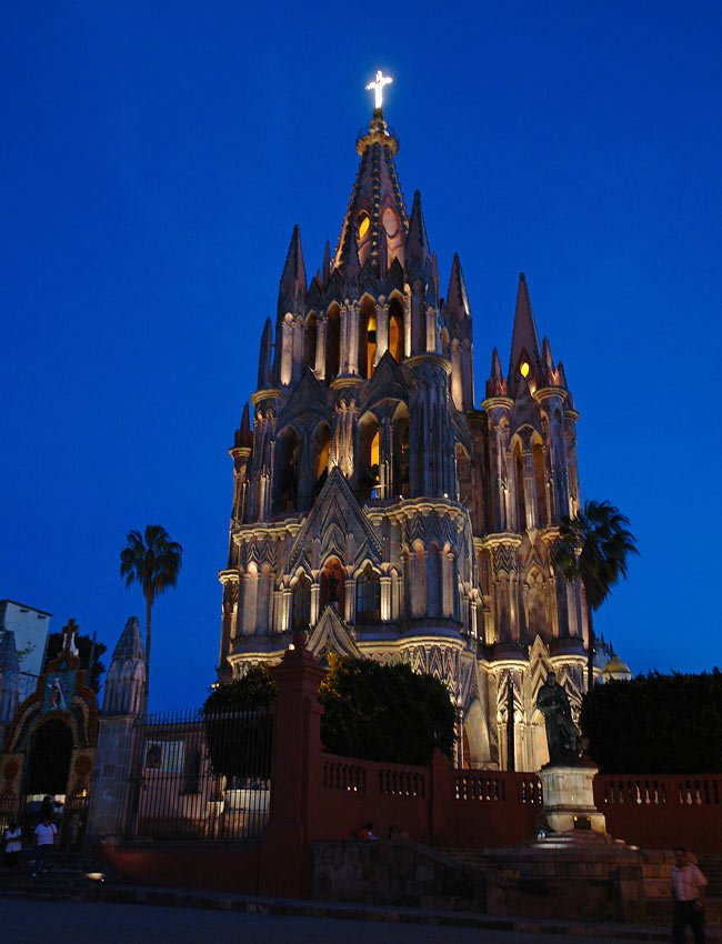 San Miguel de Allende's iconic cathedral lit up at night