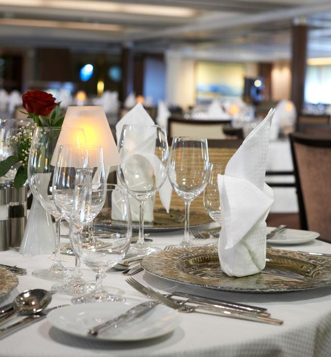 Star Pride AmphorA dining room