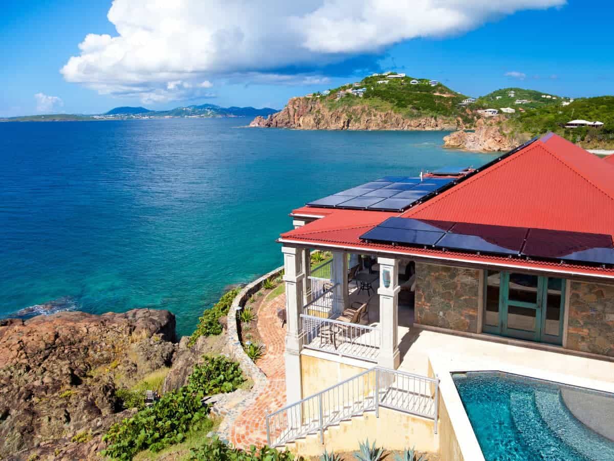 Some of the best Carribean villa rentals are found on Anguilla, Barbados, Jamaica, Mayreau, Mustique, St. Barts and the Dominican Republic.