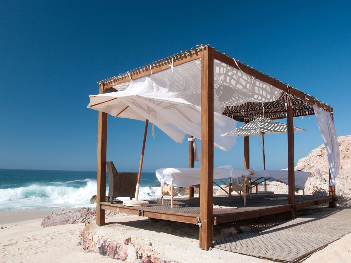 The beach weather in Cabo San Lucas is better in summer.