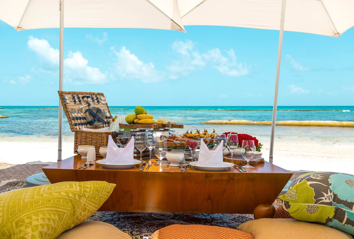 Grand Velas Riviera Maya food: Picnic on the beach!