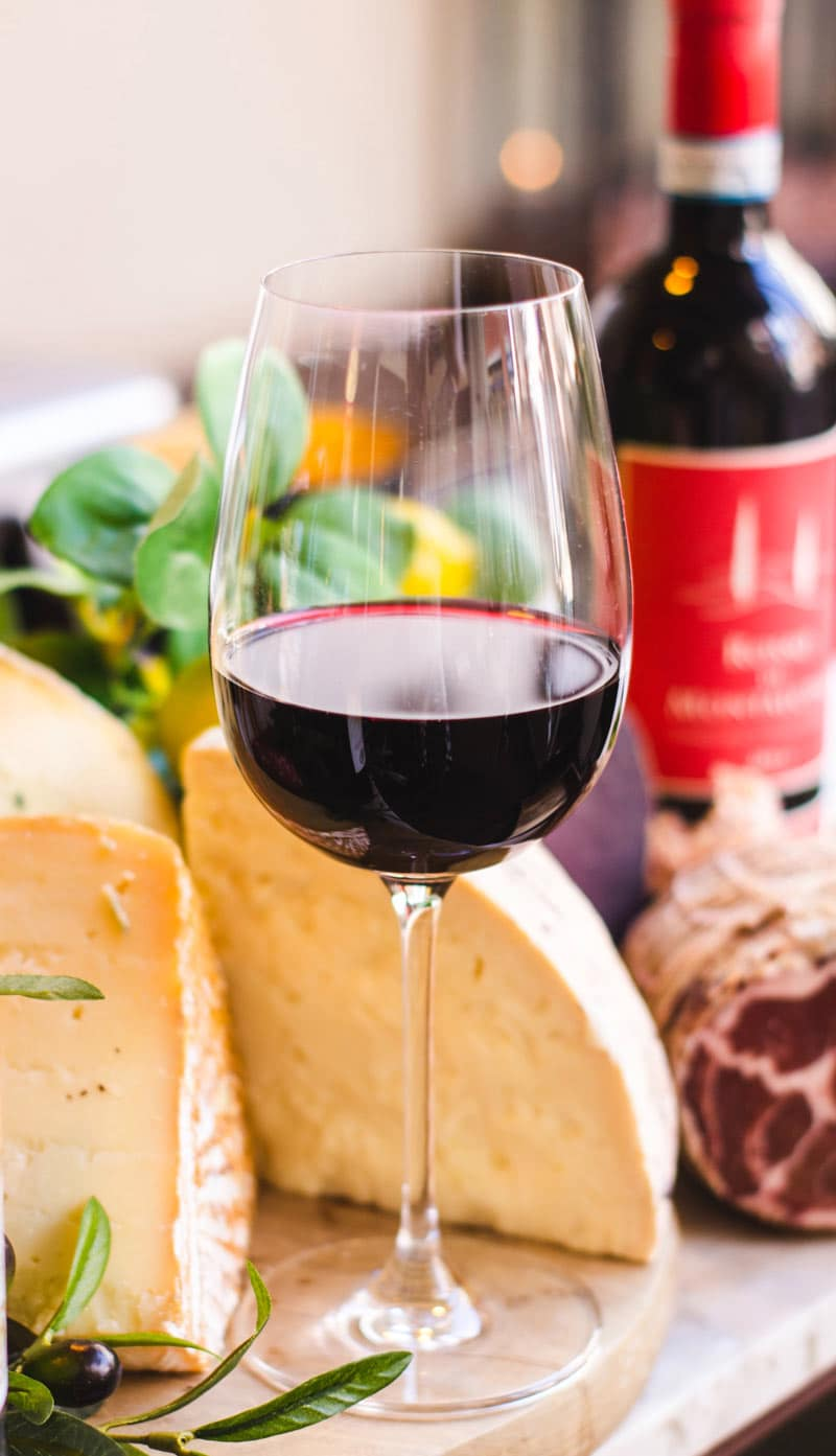 The best wine clubs in Canada include the Opimian Club and Hemispheres Wine Guild.