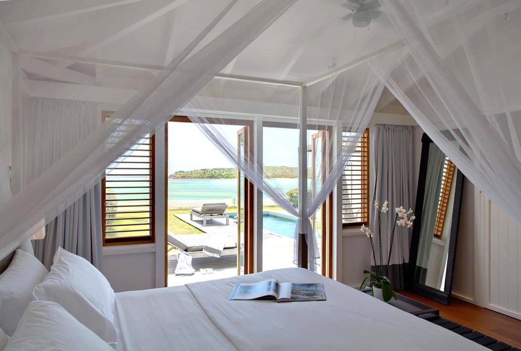 Le Sereno Hotel guest room
