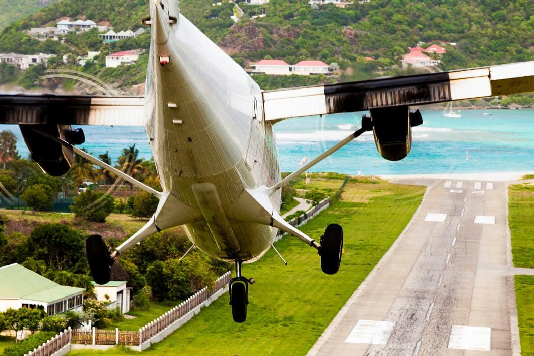 Plane landing in St. Barts
