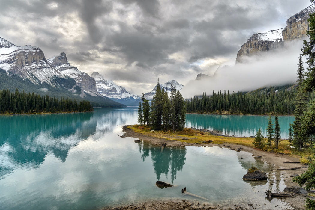 Maligne Lake is one of the best photo spots in Jasper National Park!