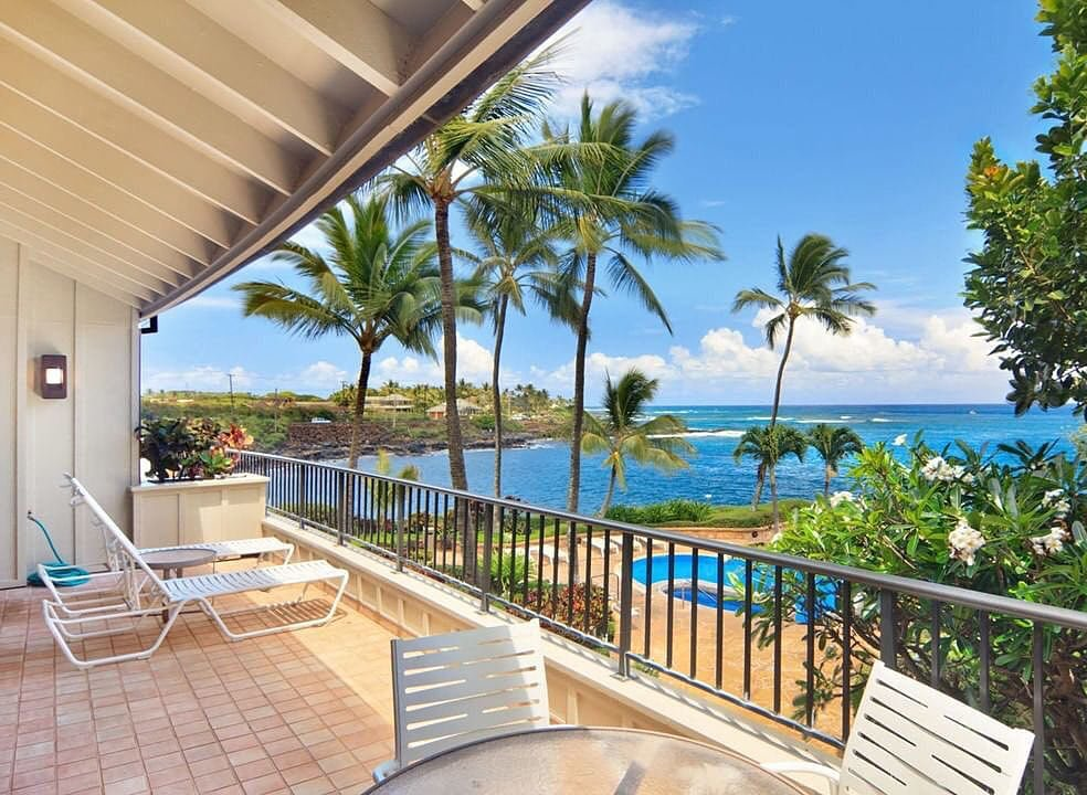 Lanais come with ocean views at this luxury Poipu resort.